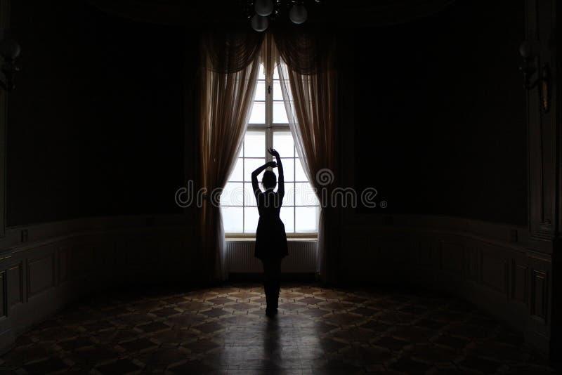 跳舞的黑暗 免版税图库摄影