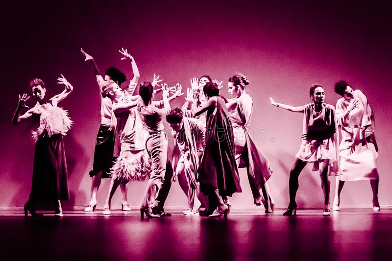 跳芭蕾舞者在SS 2015 MBFW马德里的Duyos汇集时 库存照片