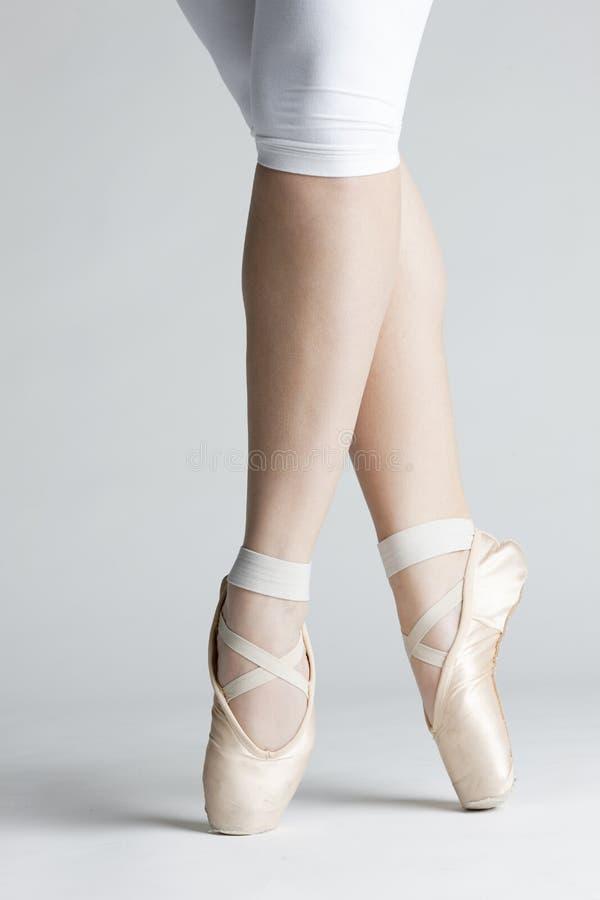 跳芭蕾舞者英尺s 库存图片