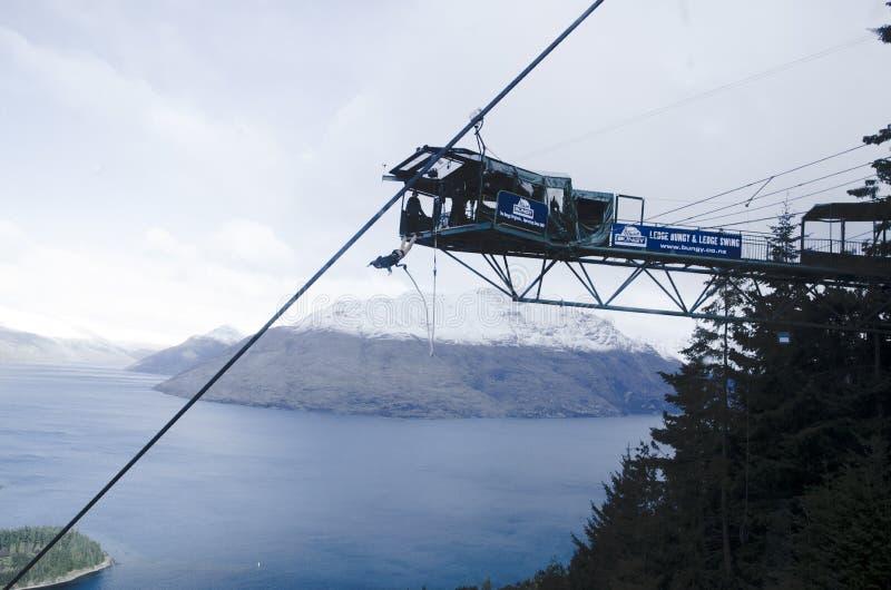 跳跃在NZ的橡皮筋 免版税图库摄影