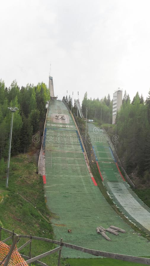 跳高滑雪马蒂Nykäsen Mäki在夏天 库存照片