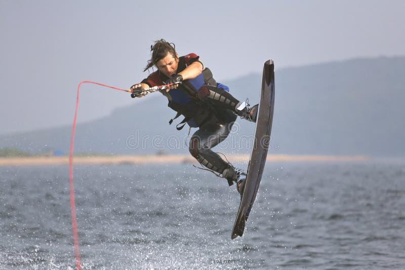 跳wakeboarding 库存照片