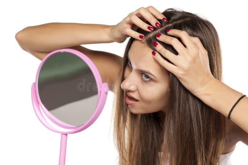 身体关心-头发和头皮 库存照片