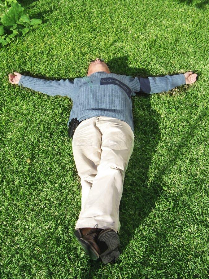 躺下 免版税库存图片