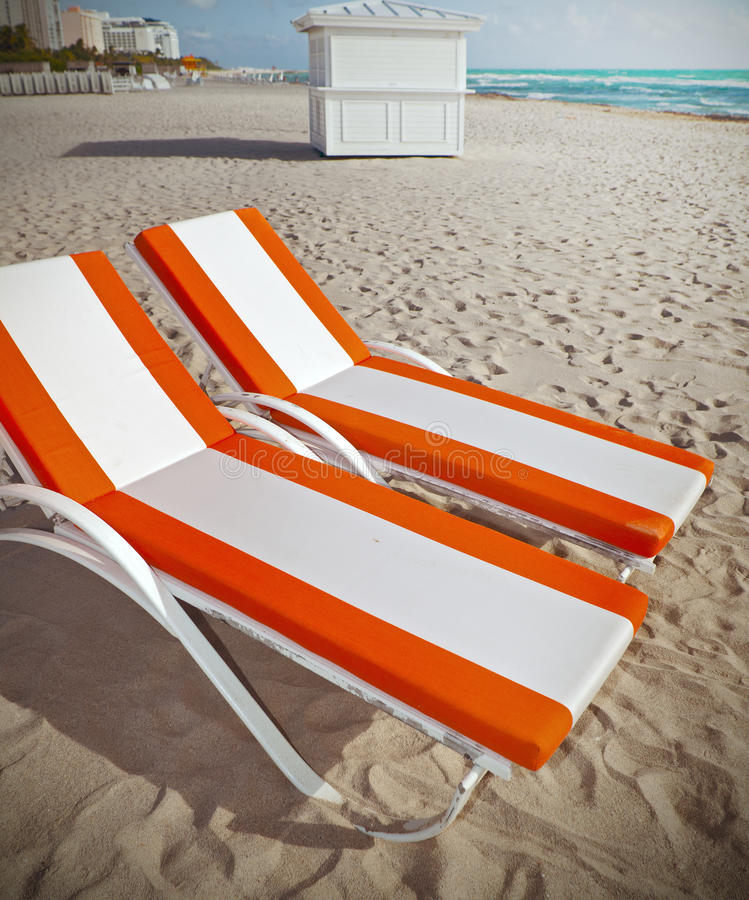 躺椅在迈阿密海滩佛罗里达 库存图片