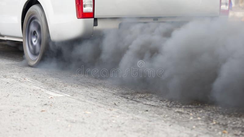 从车排气管的大气污染 免版税图库摄影