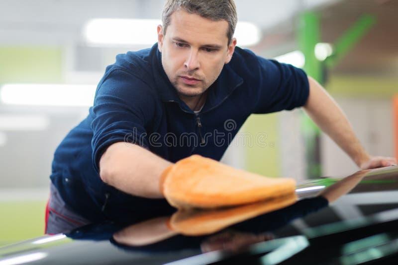 洗车的工作者 库存图片