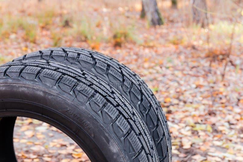 车胎的片段有不对称的踩特写镜头的 库存照片