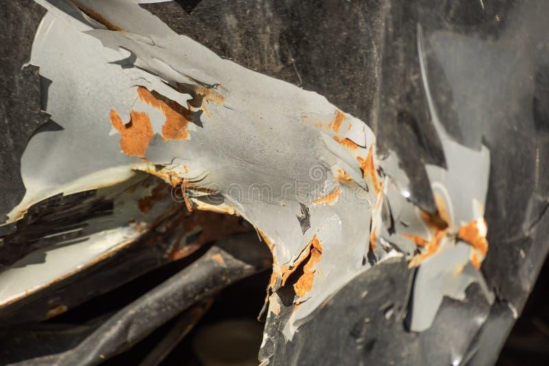 车身的起皱纹的表面与腐蚀的 免版税库存照片
