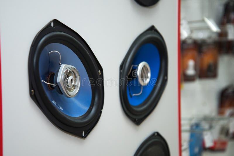 车里雅宾斯克地区,俄罗斯- 2019年2月 家庭家电商店中心 搁置与物品 音象系统为 库存图片