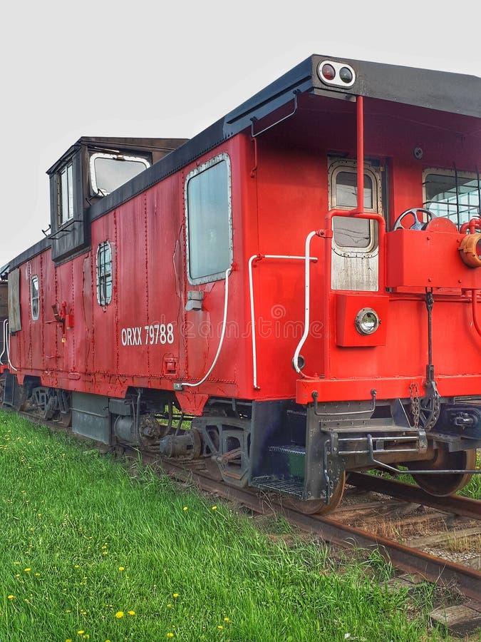 轨道的葡萄酒守车在Orangeville,安大略 免版税图库摄影
