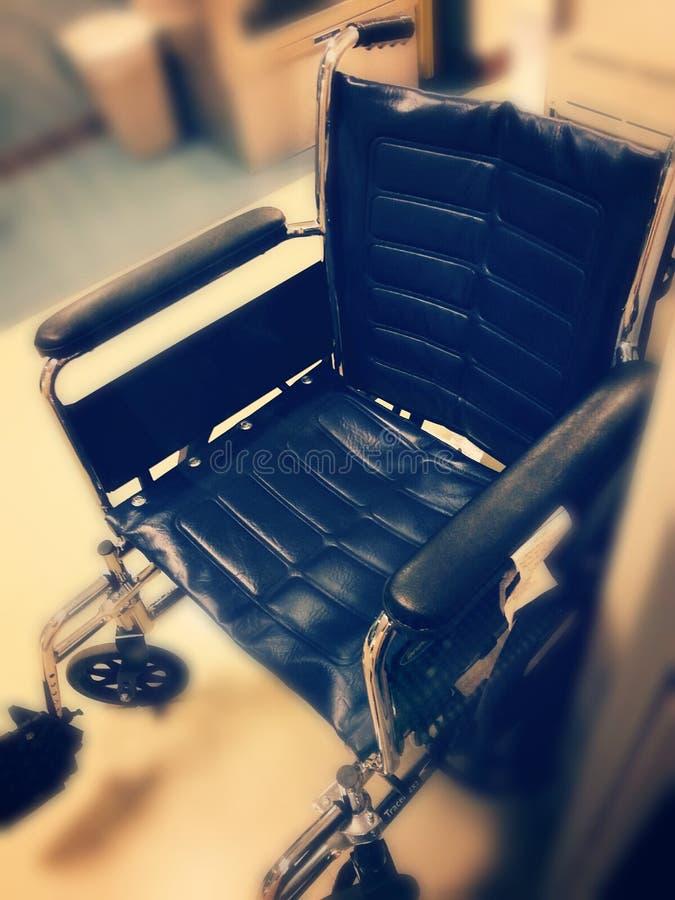 轮椅在大厅里 图库摄影