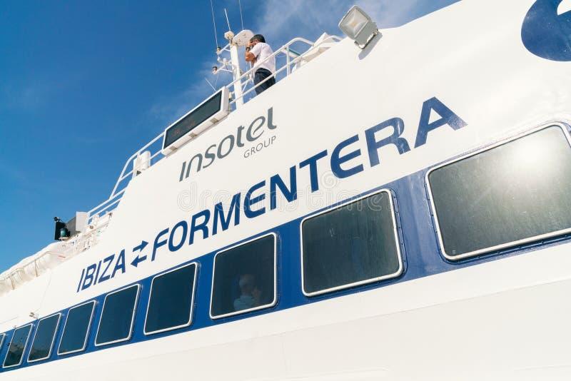 轮渡伊维萨岛向福门特拉岛,西班牙 图库摄影