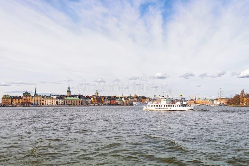 轮渡去斯德哥尔摩老镇的Djurgarden 库存照片