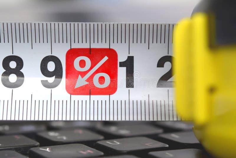 轮赌在有百分之的标志的键盘 免版税图库摄影