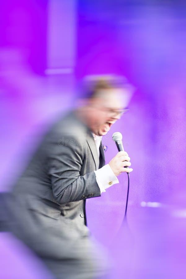 软的迷离被弄脏的摇滚音乐舞台背景 库存照片