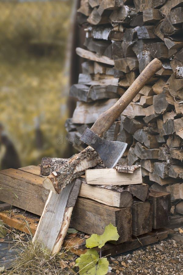 轴和柴堆 库存图片