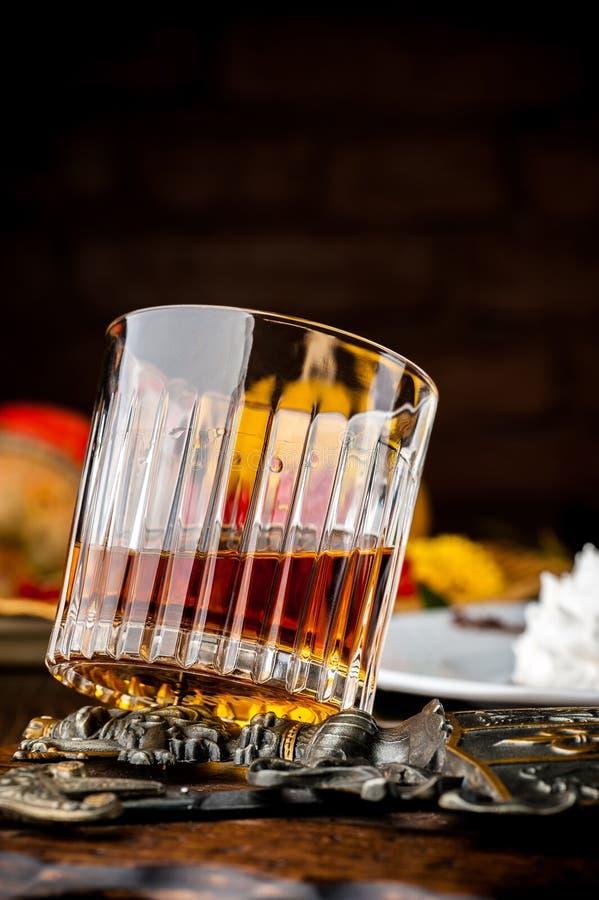 轻量级点心用威士忌酒 万圣夜膳食 图库摄影