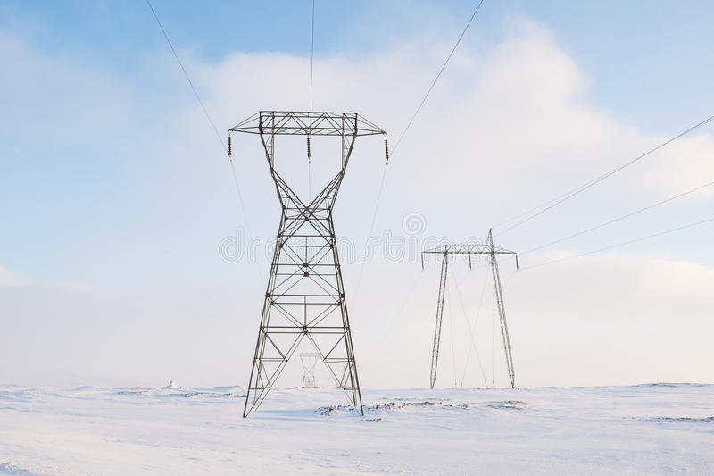 输电线在冬天 图库摄影