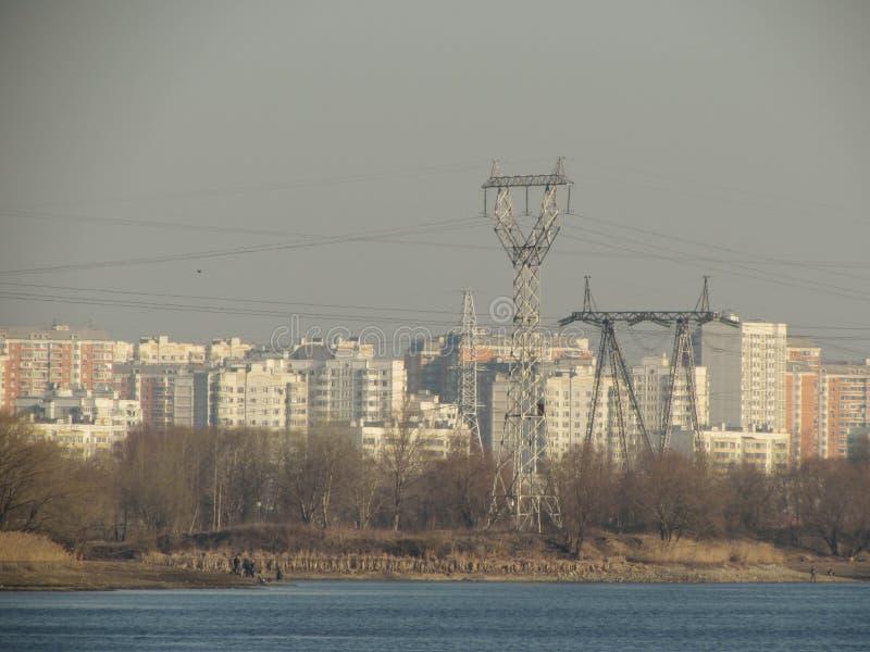 输电线在莫斯科 库存照片
