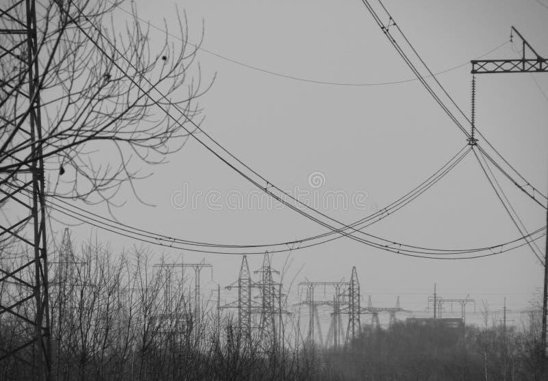 输电线在莫斯科 免版税库存图片