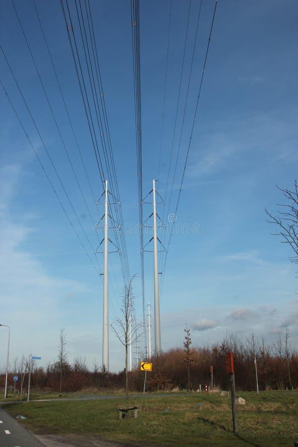 输电线塔的新型在荷兰命名了wintrack在380 KV轨道在Bleiswijk 免版税库存照片