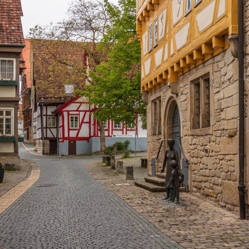 辛德尔芬根,巴登市符腾堡/德国- 2019年5月11日:街道在城市博物馆,Stadtmuseum,阿尔特斯Rathaus的情景视图和 库存照片