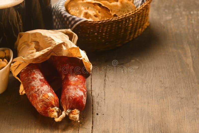 辣干意大利蒜味咸腊肠香肠 免版税库存照片