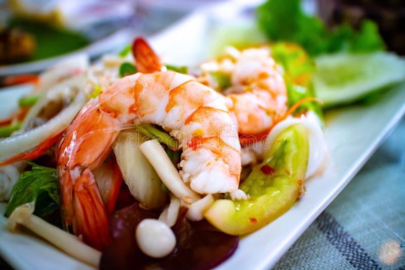 辣果冻面条沙拉用海鲜 一署名泰国食物 免版税库存图片