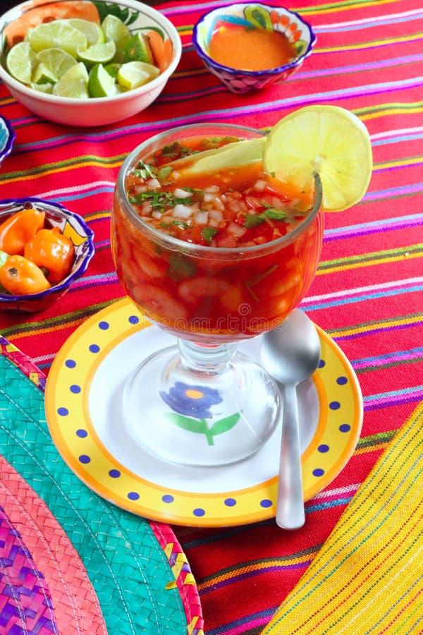 辣椒鸡尾酒柠檬墨西哥调味虾 库存照片