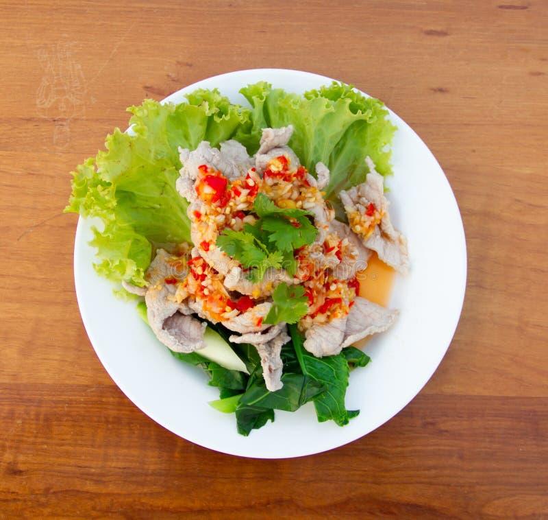 辣猪肉的沙拉 免版税库存图片