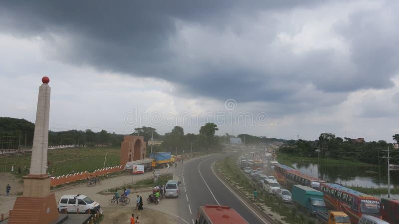 达卡吉大港高速公路& beautifull天空在孟加拉国 库存照片