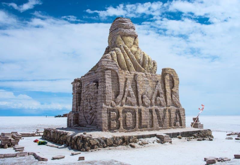 达喀尔玻利维亚纪念碑在撒拉族de Uyuni,玻利维亚 库存照片