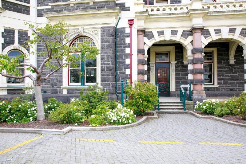 达尼丁,新西兰- FEBR 10日2015年:达尼丁火车站入口  免版税图库摄影