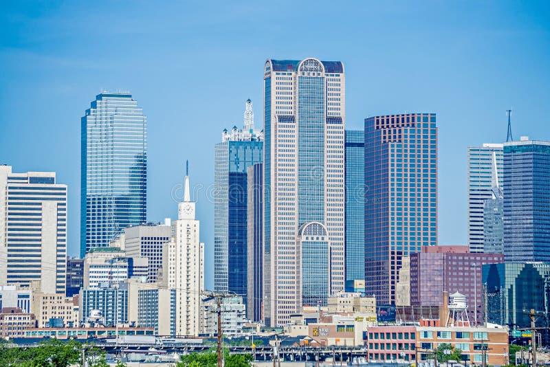 达拉斯得克萨斯在白天的市地平线 免版税图库摄影