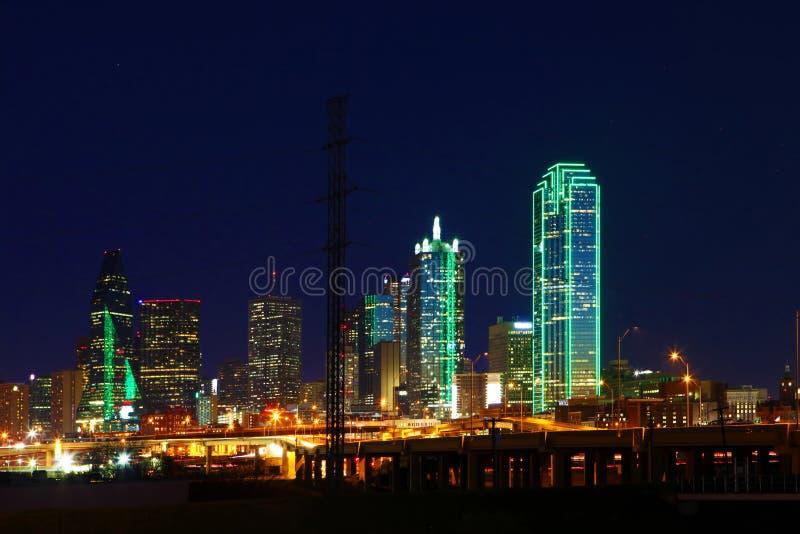 达拉斯,得克萨斯地平线在晚上点燃了 免版税图库摄影