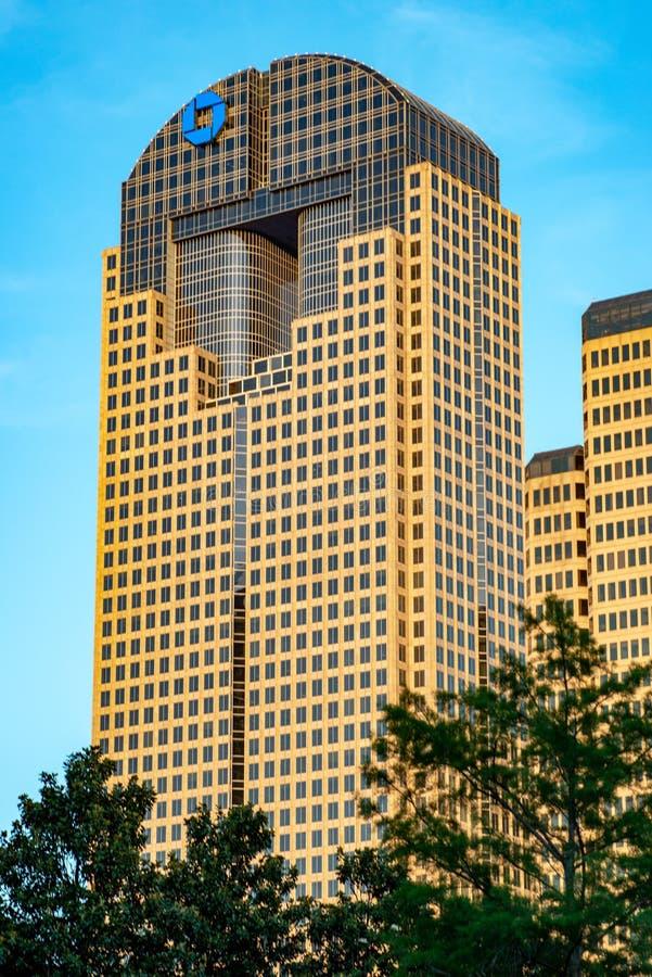 达拉斯,得克萨斯- 2018年5月7日:在达拉斯,得克萨斯追逐塔,一个现代摩天大楼 库存照片