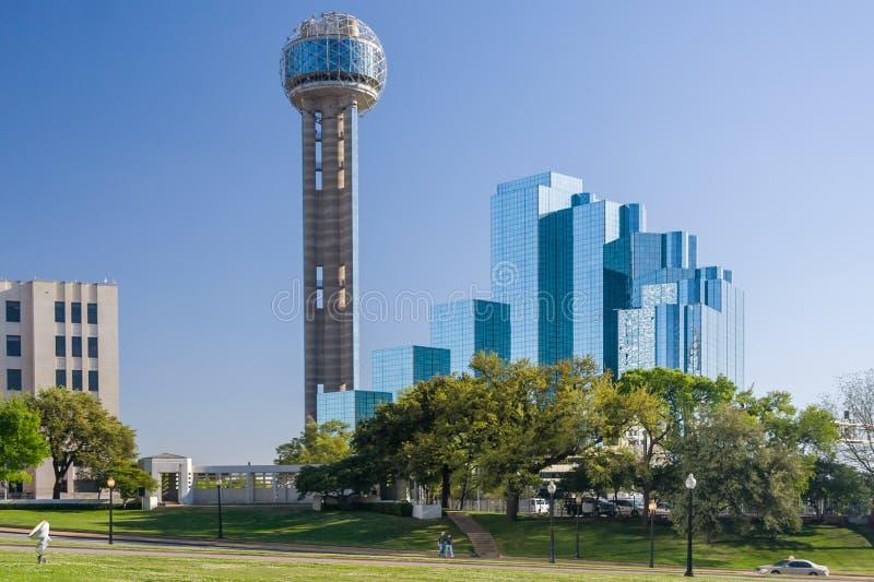 达拉斯, TX/USA -大约2015年4月:团聚塔和凯悦摄政饭店复合体在达拉斯,得克萨斯 免版税库存照片