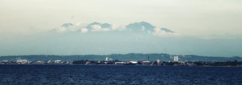 达沃市和阿波火山 库存图片