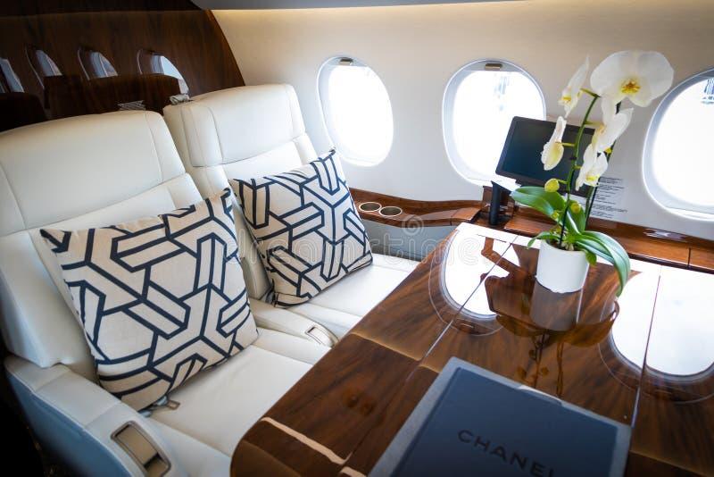 达萨尔猎鹰2000S企业喷气机客舱 免版税库存图片