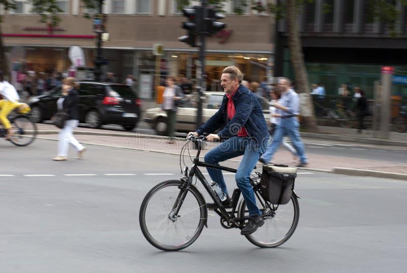 迅速柏林的骑自行车者 库存图片