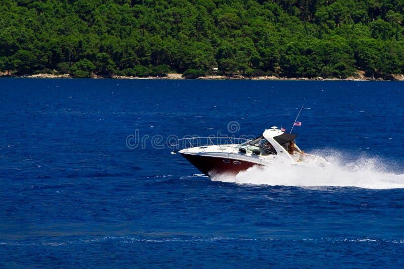 迅速的小船 免版税库存照片