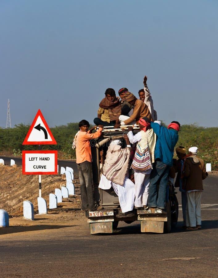 过度拥挤的农村运输在印度 库存照片