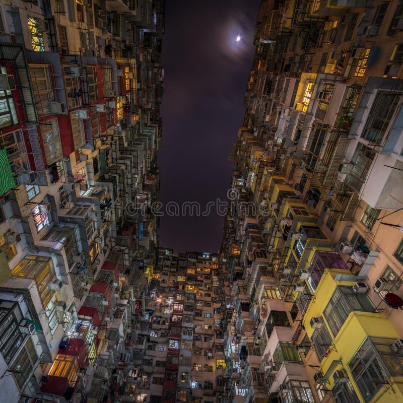 过度拥挤的居民住房在香港 库存照片