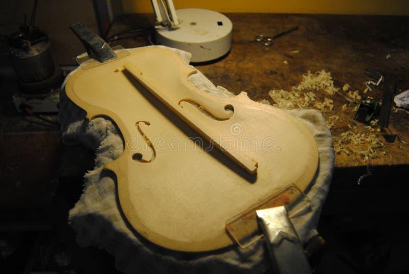 过程中的小提琴 免版税库存照片