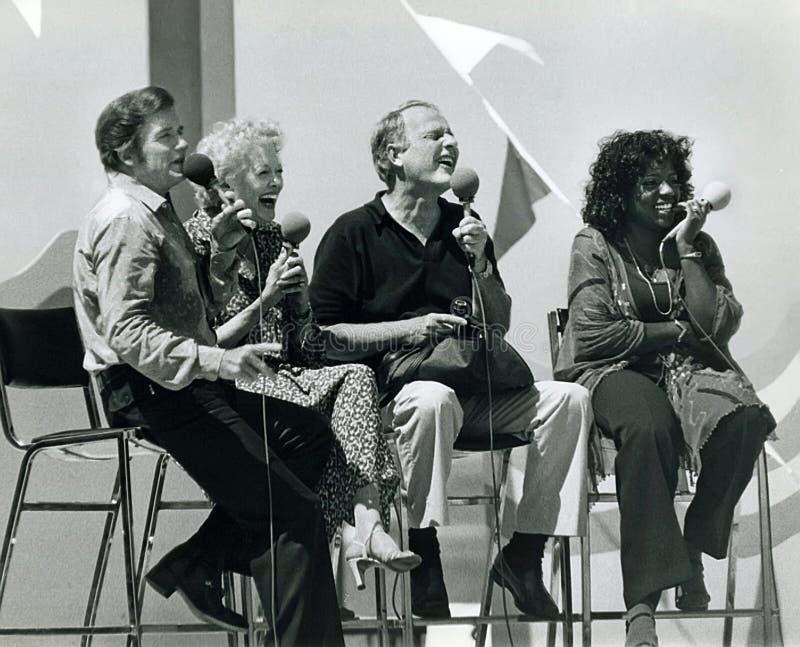 迈克・道格拉斯、Fran阿莉森,毛刺Tillstrom和葛洛莉雅・盖诺 免版税图库摄影