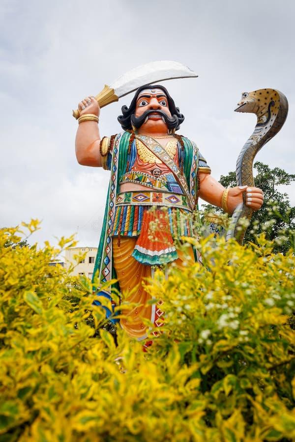 迈索尔,印度- 2018年6月27日:在Chamundeshwari寺庙的Mahishasura雕象 免版税库存图片