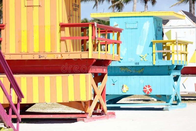 迈阿密海滩典型的救生员房子五颜六色的baywatch南海滩 免版税库存图片