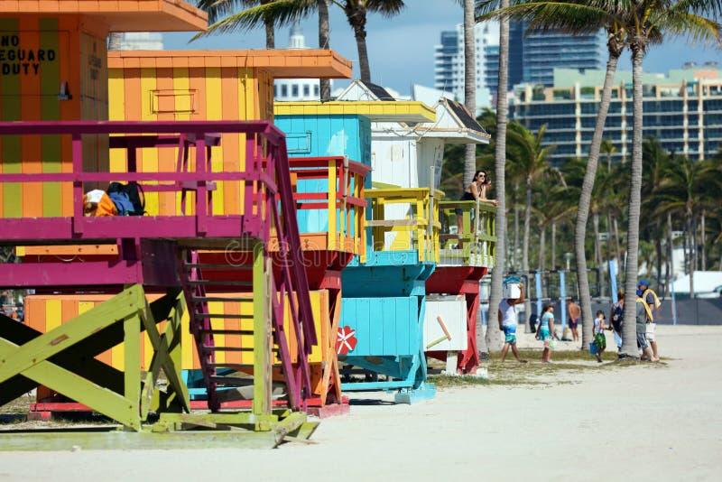 迈阿密海滩典型的救生员房子五颜六色的baywatch南海滩 图库摄影