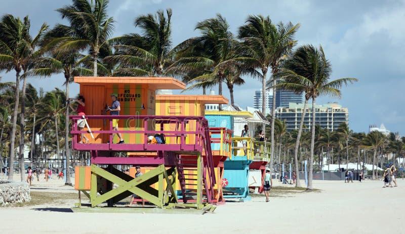 迈阿密海滩典型的救生员房子五颜六色的baywatch南海滩 免版税图库摄影